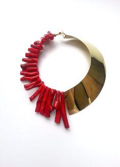 Collar Rígido con puntas de coral rojo