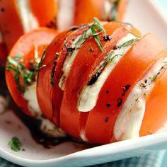 Grillatut mozzarella-tomaatit   Yhteishyvä I Love Food, Good Food, Yummy Food, Vegetarian Recipes, Cooking Recipes, Healthy Recipes, Easy Recipes, Healthy Food, Different Recipes