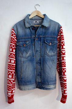 Jeansjacke mit Strickärmeln, neu oder Recycling von alten Sweatshirts, supi!!!