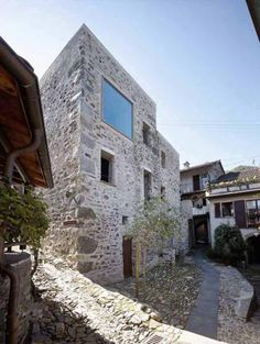 Wespi de Meuron Romeo Architects - Project - Conversion of old stone house in the village core of Scaiano - Architecture Design, Architecture Renovation, Contemporary Architecture, Old Stone Houses, Brick And Stone, Exterior Design, House Design, Preserves, Switzerland