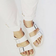 Birkenstock Outfit Inspiration #birkenstocks #repeatoffender #howtostyle #howtowear #ootd #outfitinspiration