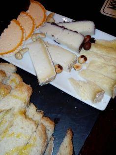 Surtido de quesos artesanos con frutos secos de Casa Gispert