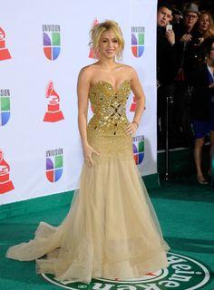 Shakira Fashion Pictures - Shakira Photos - Cosmopolitan