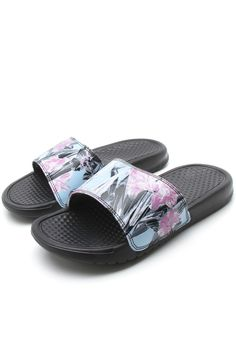 the latest b7388 103d1 Chinelo Slide Nike Sportswear Wmns Benassi Jdi Preto