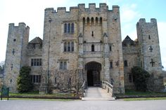 The main entrance of the beautiful Hever Castle