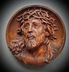 Patrik1970 / Drevorezba Ježiš Kristus Wood Carving Designs, Last Supper, Crystals Minerals, Cnc, Jesus Christ, Lion Sculpture, Statue, Gold, Products