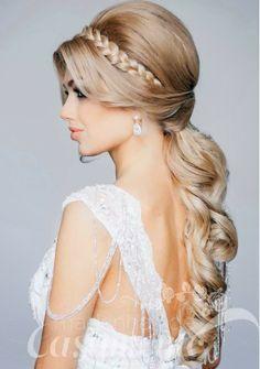 Madrinhas de casamento: penteados Mais