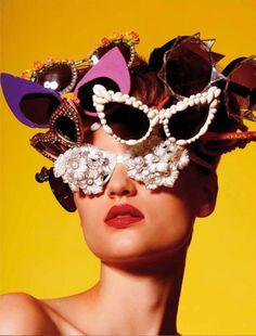 ¿Quieres ver nuestro tablón de #Funny Glasses? Retrovisión Store sunglass by Mercura NYC