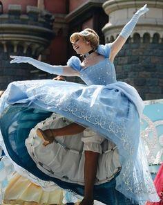 Walt Disney, Disney Day, Disney Love, Disney Magic, Disney Parks, Cinderella Cosplay, Cinderella Disney, Disney Cosplay, Disney Costumes