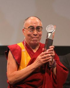 """Image detail for -Dalai Lama erhält """"Menschen-in-Europa-Award"""" – Joska Bodenmais ... #JPseins"""