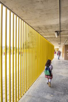 Gallery of Chaparral Rural School / Plan:b arquitectos - 3 - School Gallery of Chaparral Rural School / Plan:b arquitectos – 3 Image 3 of 38 from gallery of Chaparral Rural School / Plan:b arquitectos. Photograph by Alejandro Arango Education Architecture, School Architecture, Architecture Plan, Architecture Details, Modern Buildings, Beautiful Buildings, Primary School, Elementary Schools, School Hall