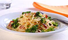 Espaguete com brócolis