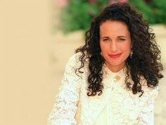 Andie MacDowell Haircuts For Curly Hair, Curly Hair Cuts, Cool Haircuts, Curled Hairstyles, Straight Hairstyles, Thick Hair Styles Medium, Natural Hair Styles, Anti Aging, Air Dry Hair