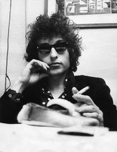 Bob Dylan... Quite the snazzy dude.