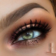 Copper metallic eyeshadow look