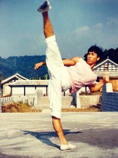 Young Donnie Yen...that kick though
