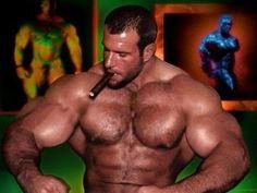 macho muscles fumando charuto!
