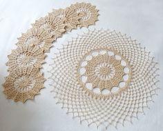 Manufaktura Rękodzieła - kompletu serwetek wykonanego na szydełku
