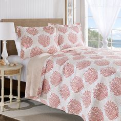 Laura Ashley Coral Coast Coral Quilt Set - You don't have to go deep-sea diving to appreciate coral's delicate beauty. The Laura Ashley… Nautical Bedding Sets, Coastal Bedding, Coastal Decor, Luxury Bedding, Coastal Living, Coastal Bedrooms, Tropical Bedding, Coastal Curtains, Coastal Entryway