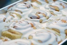 Just like brownies, I've never met a cinnamon roll I didn't like. I keep trying new recipes and I can't decide which one I like the best. New Recipes, Holiday Recipes, Holiday Foods, Sticky Rolls, Breakfast Bread Recipes, Bakery Cakes, Rolls Recipe, Dessert Recipes, Desserts
