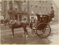 @History_Pics: A 'cab' in New York City, 1905