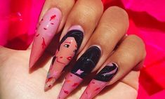 Semi-permanent varnish, false nails, patches: which manicure to choose? - My Nails Disney Acrylic Nails, Disney Nails, Cute Acrylic Nails, Cute Nails, Uñas Color Neon, Hair And Nails, My Nails, Disney Nail Designs, Disney Princess Nails