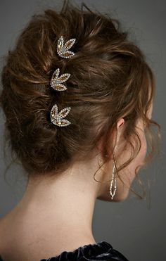 Finally a french twist that CAN be messy and still look beautiful.