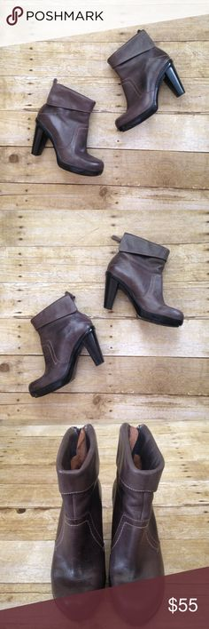 """Clarks Artisan ankle boots Very good used condition. Brown leather, size 7B. 3.5"""" heel. Clarks Shoes Ankle Boots & Booties"""