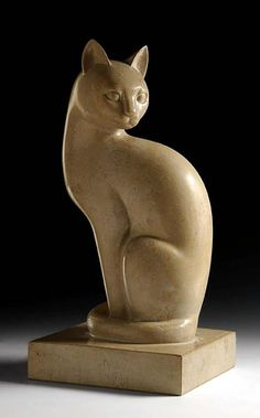 Marble sculpture of a cat (c. 1927) by Heinz Warneke (1895-1983)