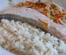 Recette Saumon accompagné de riz et légumes sauce beurre blanc par jewel - recette de la catégorie Poissons