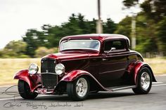 1932 Ford 3 window coupe - classic Hot Rod