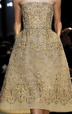 Elie Saab...ooooh I so NEED somewhere to wear this to!