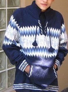 Dicker Kapuzen #Pullover für #Kinder von 8 - 14 Jahren.Der Pullover ist aus weicher Alpakawolle gestrickt. Alpakawolle kratzt nicht und ist  natürlich #warm. Inka, Elegant, Graphic Sweatshirt, Sweatshirts, Peru, Sweaters, Fashion, Ponchos, Tricot