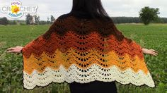 The Fall is perfect for showing off our crochet skills! This is a very easy pattern and it's simply gorgeous. You'll need about 800 g of yarn, a size 6.00 mm...