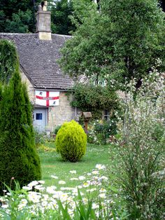 English Cottage by ClydeHouse on Flickr