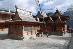 Templo Hindu em Kalpa, estado de Himachal Pradesh, Índia.  Fotografia: Sanyam Bahga.