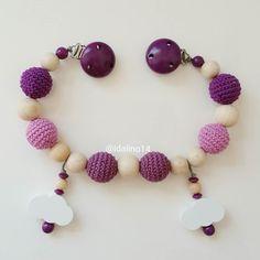 idalino14:: Kinderwagenkette in Beerentönen mit Wölkchenanhängern   #diy #häkelnisttoll #häkeln #baby #schwanger #babygeschenk #amigurumi #mommytobe #momtobe #pregnant #babygirl #babyboy #craftastherapy #handmade #crochet #crochetlove #crochetaddict #idalinocrochet #babygift #instamum #instababy #instacrochet #babybump #handmadetoy #crochetinspiration #schnullerkette #kinderwagenkette #virka #haken #schnullerkettemitname