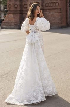 Puffy Wedding Dresses, Formal Dresses With Sleeves, Pakistani Wedding Dresses, Wedding Dress Sleeves, Long Sleeve Wedding, Wedding Bridesmaid Dresses, Dream Wedding Dresses, Wedding Attire, Bridal Dresses