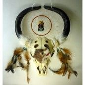 Dreamcatcher Wolf & Skull H: approx. 43 cm. Material: skull and horns - resin, figure - resin synthetic fur, chicken feathers.