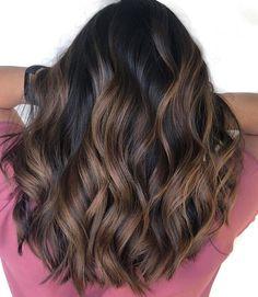Brown Hair Balayage, Brown Blonde Hair, Hair Color Balayage, Balayage Hairstyle, Wavy Hair, Dyed Hair Brown, Haircolor, Dark Brown Hair With Caramel Highlights, Dark Brunette Balayage Hair