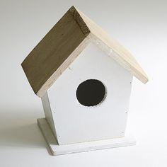 Atrezzo fotos. Casita decorativa para pajaros. Preciosa casita de madera de uno 16 cm de alto y 12 cm de ancho muy decorativa para la habitacion del bebé o como atrezzo para fotos. 11.50 €