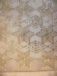This Pin was discovered by Gül Embroidery On Kurtis, Kurti Embroidery Design, Bead Embroidery Patterns, Indian Embroidery, Embroidery Suits, Hand Embroidery Designs, Embroidery Stitches, Machine Embroidery, Tambour Beading