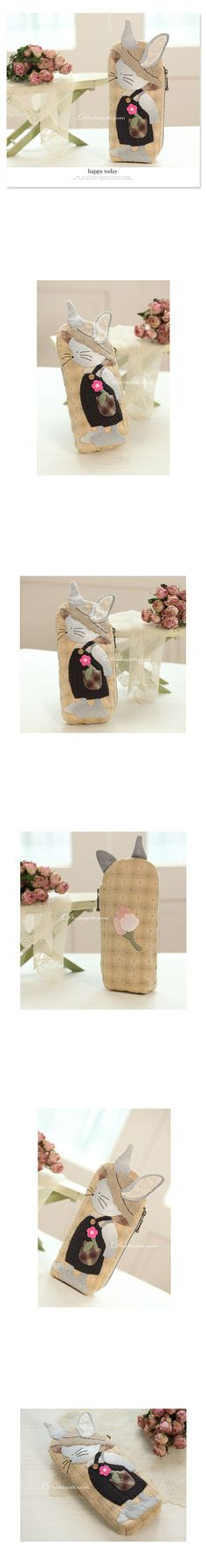 고슴도치 퀼트 [모자 쓴 토끼 필통] Japanese Patchwork, Japanese Quilts, Patchwork Bags, Quilted Bag, Pencil Bags, Pencil Pouch, Animal Bag, Small Case, Mini Purse