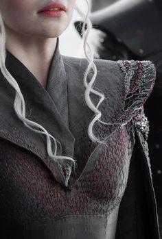 Daenerys Targaryen, Emilia Clarke, game of thrones season 7 spoilers sneak peek Super Hero shirts, Gadgets Game Of Thrones Shirts, Game Of Thrones Facts, Game Of Thrones Quotes, Game Of Thrones Funny, Game Of Thrones Cosplay, Emilia Clarke, Game Of Thrones Instagram, The Mother Of Dragons, Got Costumes