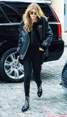 Gigi Hadid looks cool in her biker jacket by The Arrivals Style Gigi Hadid, Gigi Hadid Looks, Gigi Hadid Outfits, Look Fashion, Korean Fashion, Winter Fashion, Fashion Outfits, Emo Outfits, Lolita Fashion