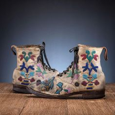 Bid Now: Santee Sioux Beaded Hide Work Boots - September 5, 0121 10:00 AM EDT Native American Moccasins, Twenty Four, Protected Species, Sioux, European Fashion, Combat Boots, Red And White, Dark Blue, Charlotte