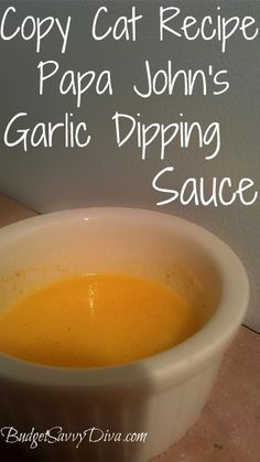 Papa John's garlic dipping sauce copycat recipe Ingredients •¼ Cup Margarine (stick or other) •½ Tablespoon Garlic Powder •Pinch of Salt (very small) Instructions 1.Melt Margarine in the microwave 2.Add salt and powder 3.Mix and Enjoy!
