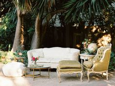 Gatsby theme - Vintage living room setting for guest lounging area or photo shoot (or booth). #VintageRentals