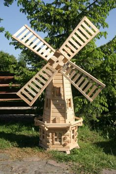 Step Guide of 16000 Carpentry Projects - Vindmølle Step Guide of 16000 Carpentry Projects - Get A Lifetime Of Project Ideas and Inspiration! Windmills For Sale, Windmill Diy, Wooden Windmill, Carpentry Projects, Diy Wood Projects, Outdoor Projects, Old Window Projects, Wooden Garden, Wood Plans