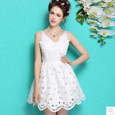 1e10d16e2886afa Дешевое Элегантный белый кружева летнее платье без рукавов v образным  вырезом платья женщин 2015 короткие ну